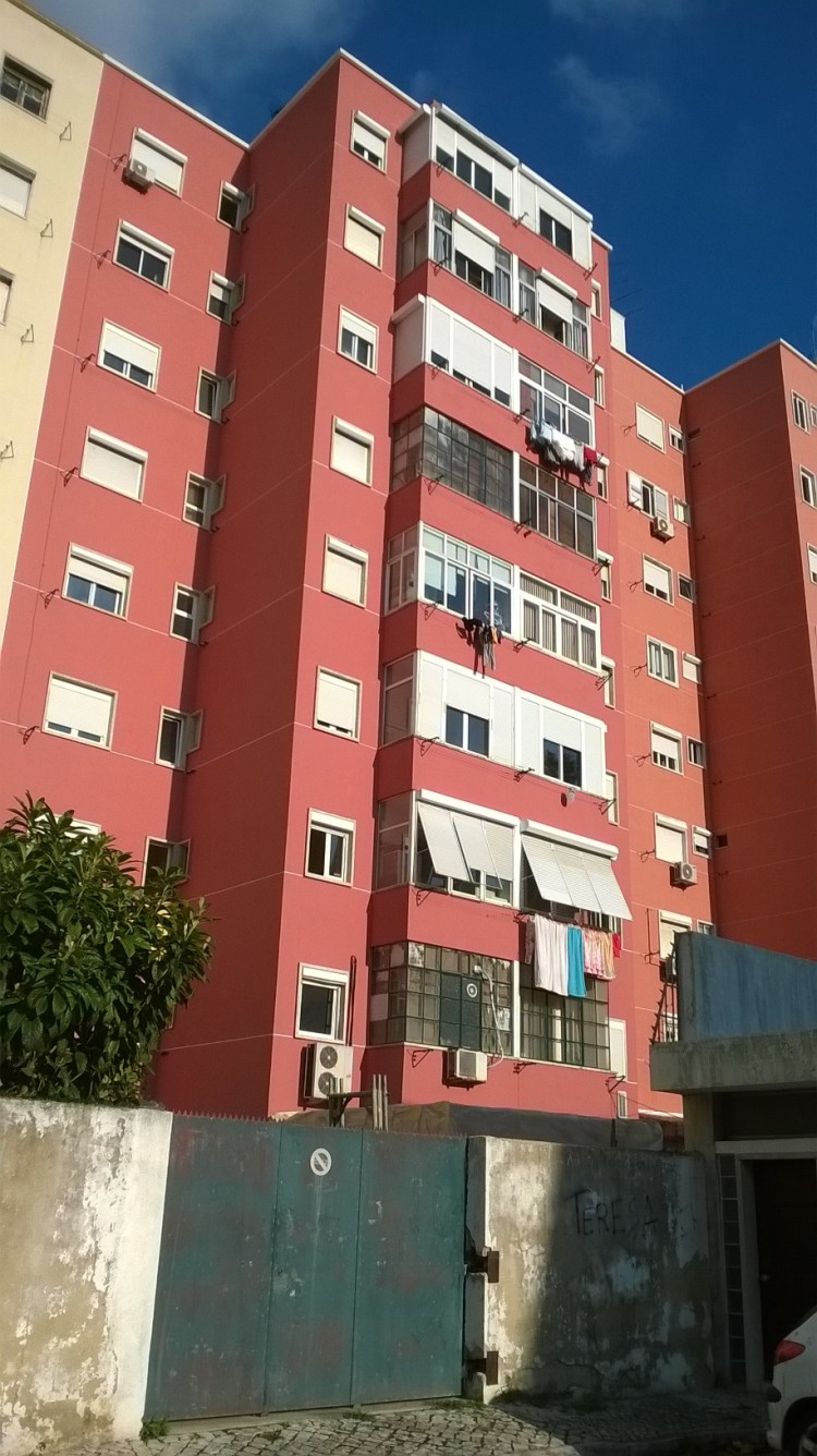 Fachada tardoz Avª.de Roma,91-Lisboa